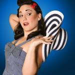 marta pin up sombrero 150x150 - Oferta verano 2016, sesión fotográfica en exteriores con maquillaje profesional