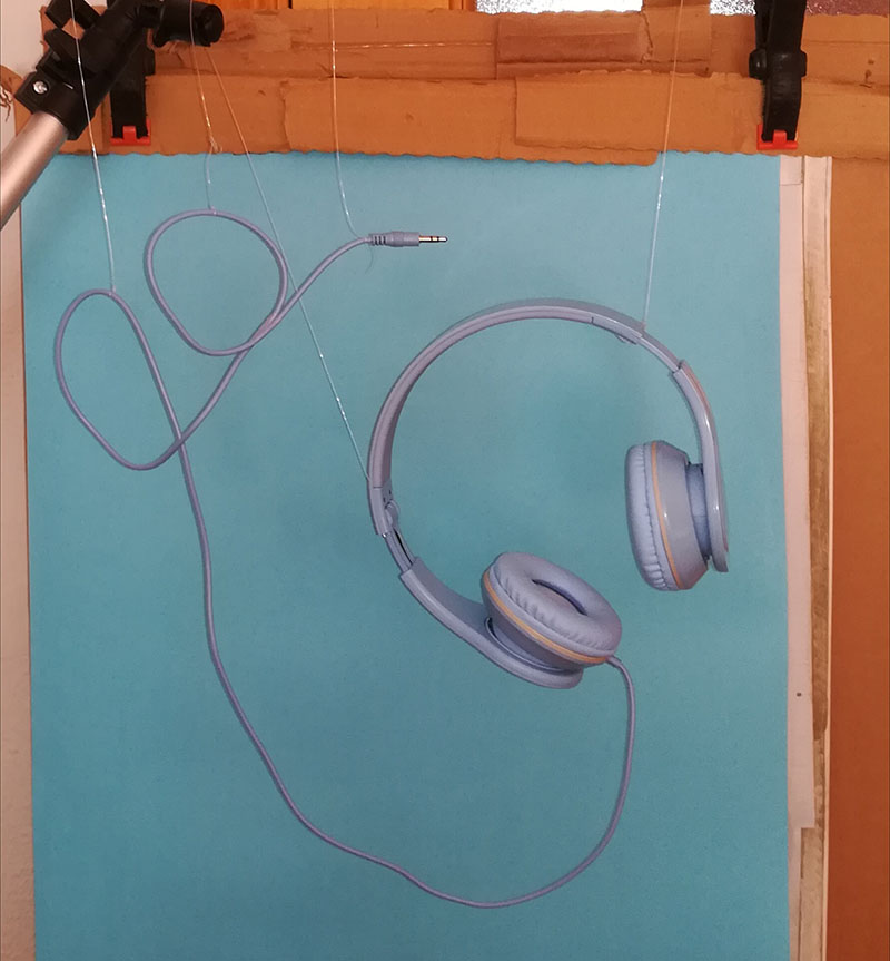 auriculares suspendidos fotografía de producto madrid